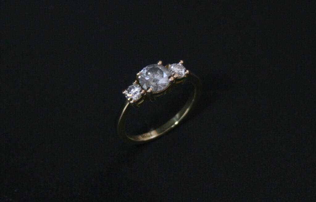 Salt and pepper diamond, Three diamond ring, !8k gold, Engagament ring, Tiffany Budd