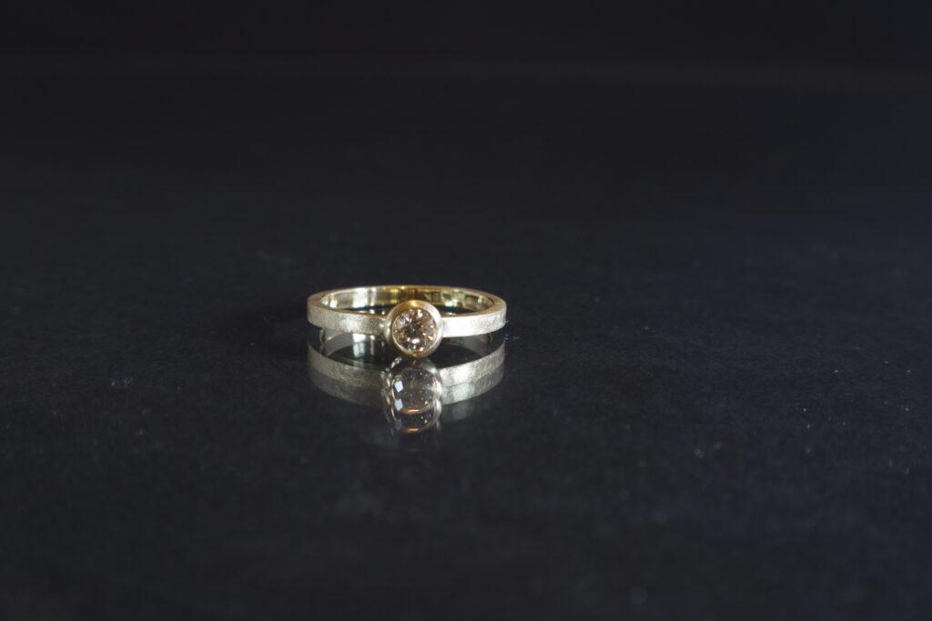 Diamond, Engagement ring, 18k gold, tiffany Budd