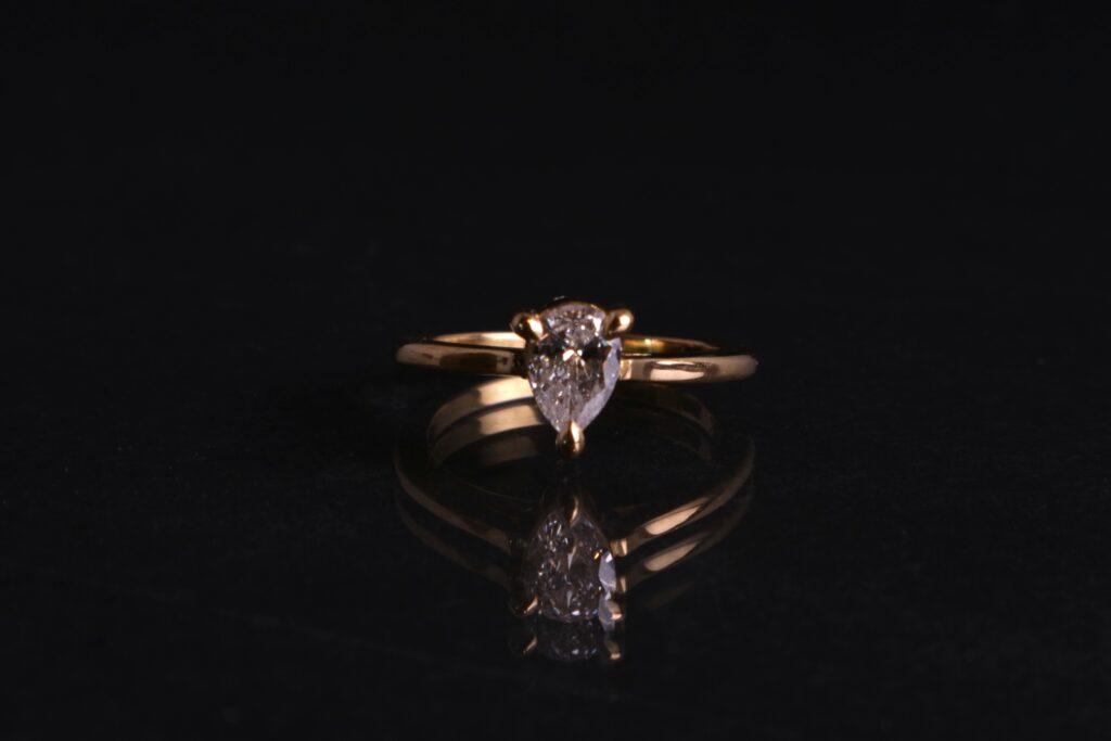 Pear, Diamond Engagement ring, Tiffany Budd